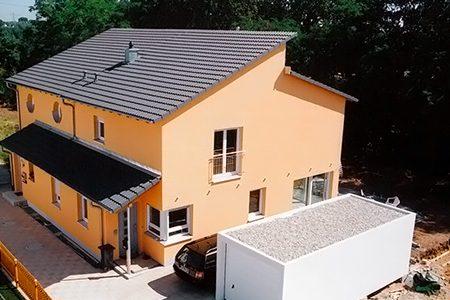 Doppelhaus mit versetztem Pultdach in Fürth